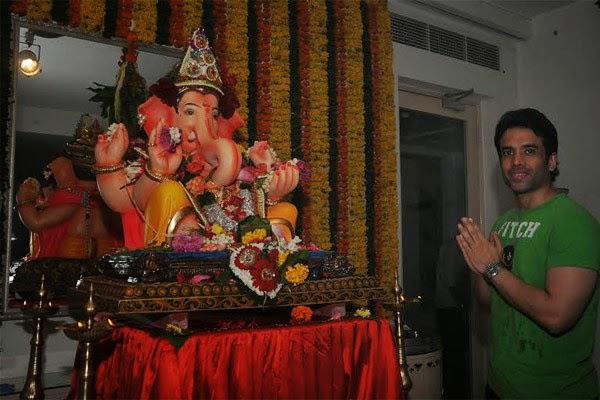Tusshar Kapoor Celebrates Ganesha Chaturthi At His Residence
