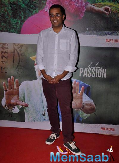 Chetan Bhagat Looks Nice At Finding Fanny Screening