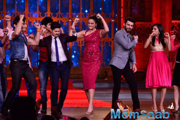 Sonam Kapoor And Fawad Khan Shakes Their Legs On The Stage On The Sets Of Zee Cine Star Ki Khoj Reality Show