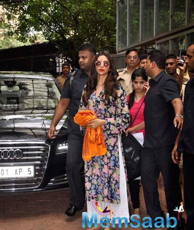 Deepika Visits Siddhivinayak Temple For Success Of Her Film Finding Fanny