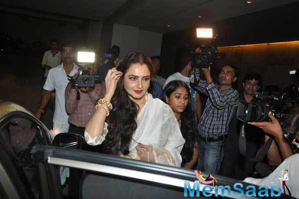 Evergreen Beauty Rekha Arrives At The Screening Of Movie Khoobsurat