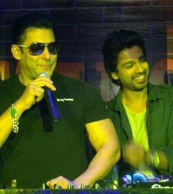 Salman Turns DJ And Launches Tamanchey Song In Da Club