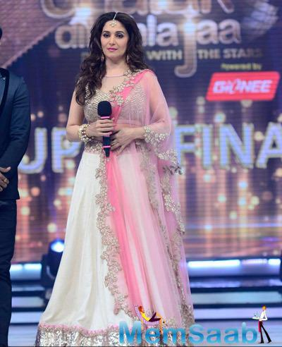 Madhuri Dixit Stunning Look During the Grand Finale Of JDJ 7