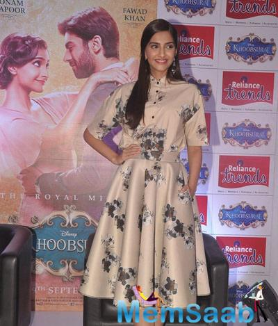 Sonam Kapoor Clicked At Reliance Trends For Promote Khoobsurat