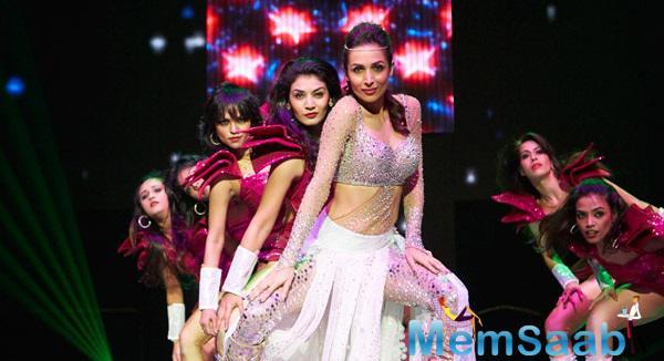 Malaika Arora Khan Sizziling Performance Still At SLAM ! The Tour Concert
