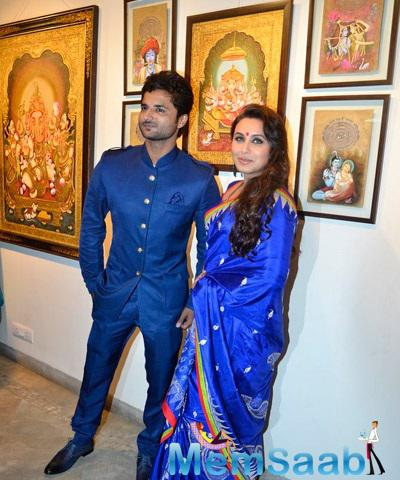 Rani Mukerji Posing For Shutterbug At The Launch Of Art Exhibition