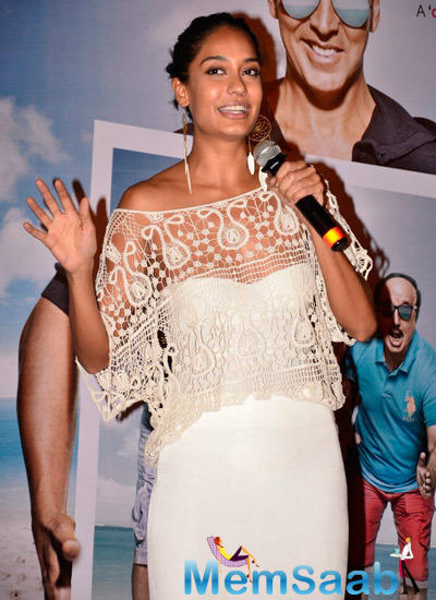 Lisa Haydon Fun With Media During The Trailer Launch Of Shaukeens