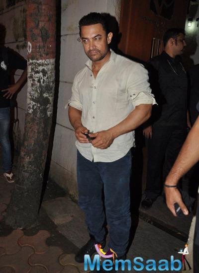 Aamir Khan Spotted Leaving Vidhu Vinod Chopra Studios In Mumbai