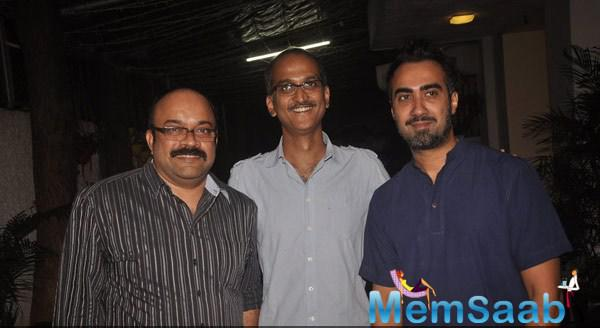 Rohan Sippy And Ranvir Shorey Posed For Camera At The Special Screening Of Sonali Cable Movie
