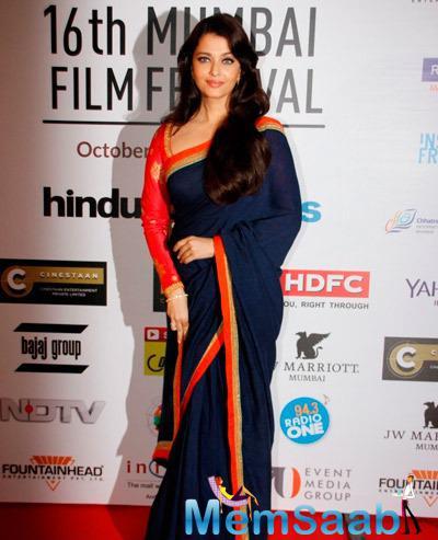 Aishwarya Rai Bachchan Simple Elegant Look During The Opening Ceremony Of 16th Mumbai Film Festival 2014