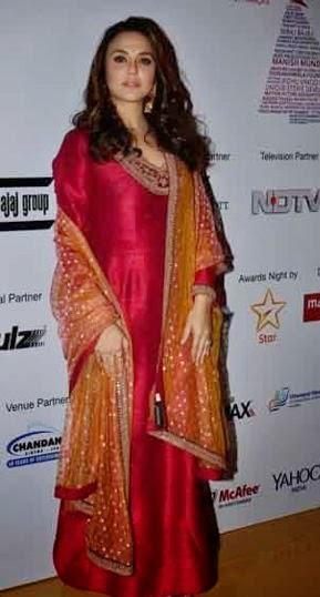 Preity Zinta Make An Appearance At 16th Mumbai Film Festival 2014