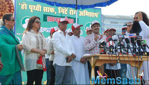 Poonam Sinha,Poonam Dhillon,Udit Narayan And Others At 4th Inauguration Mega Cleanliness Drive