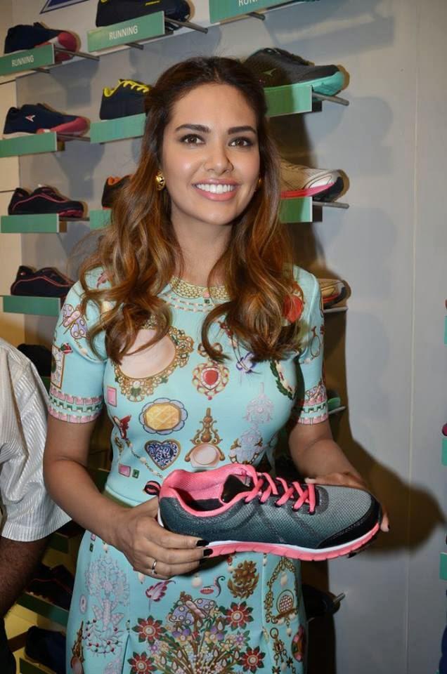 Esha Gupta Posed With A Bata Shoe During The Inauguration Of A New Bata Store In Mumbai