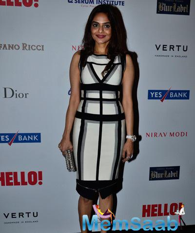 Madhoo Cool Charming Look During The Hello! Hall Of Fame Awards 2014