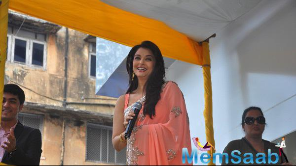 Aishwarya Rai Bachchan Interact With Media During The Launch Of Kalyan Jewellery Store