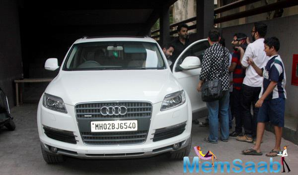 Emraan Hashmi Promoted His Upcoming Movie Ungli In Mumbai Street With Audi Q7