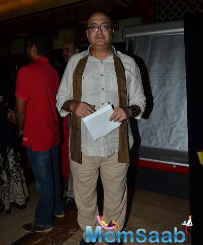 Vivek Vaswani Posed For Camera At Bhopal A Prayer For Rain Premiere