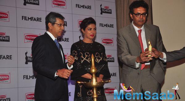 Priyanka Snapped For Inaugurate The Britannia Filmfare Awards
