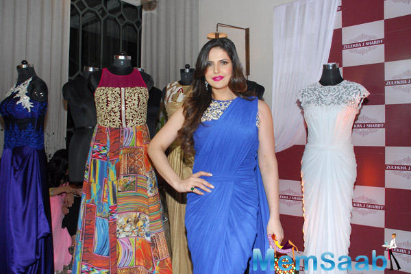 Zarine Khan Poses For The Media At Zluekha Shariff Collection Launch
