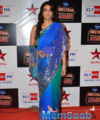Tabu Khan Attned With Stunning Look At Big Star Entertainment Awards