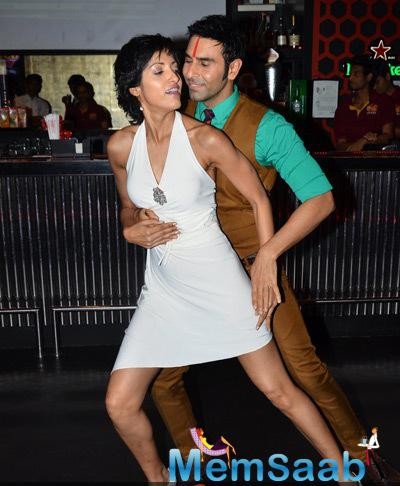 Jesse Randhawa Shakes Her Legs With Hubby Sandip Soparrkar At His Christmas Bash