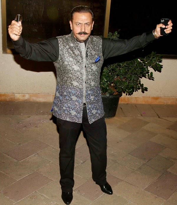 Gulshan Grover Cool Pose At Sanjay Dutt Residence