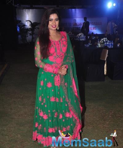 Shreya Ghoshal Posed During The Trailer Launch Of Shamitabh And Celebration Of 1000 Film Of Music Composer Ilaiyaraaja