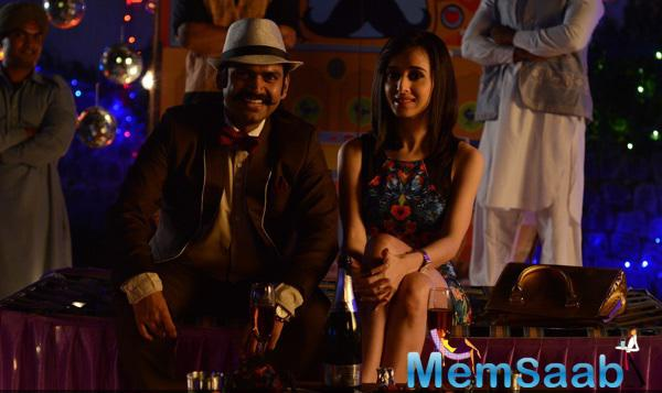 Sharib Hashmi And Suzanna Mukherjee Laughing Cool Still From Badmashiyan Movie