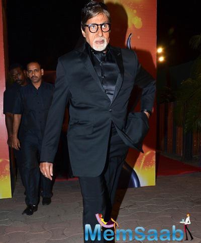 Amitabh Bachchan Dappers Look At 60th Britannia Filmfare Awards 2015