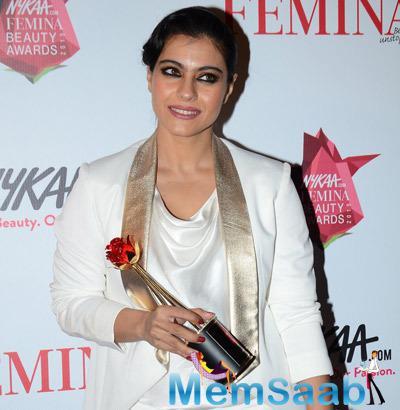 Kajol Won The Timeless Beauty Award At The Awards Night