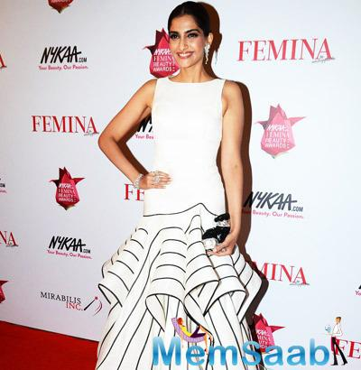 Sonam Kapoor Is Seen Here Looking Gorgeous At The Femina Beauty Awards Night