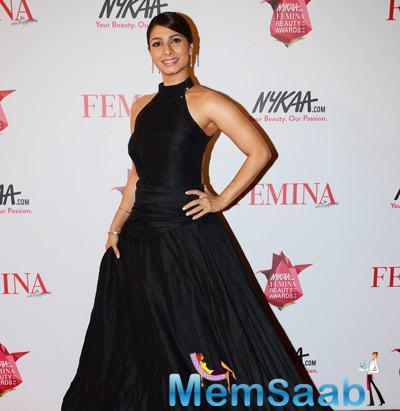 Tanisha Mukherji Spotted With A Black Gown At Femina Beauty Awards Night