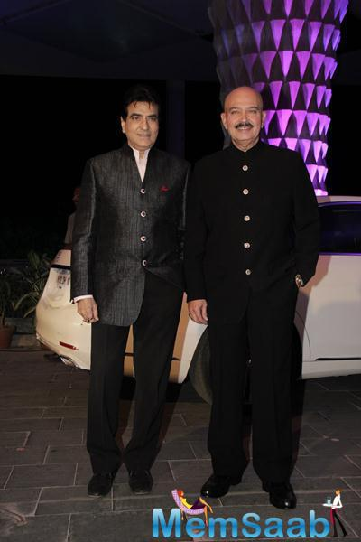 Veteran Actors Jeetendra And Rakesh Roshan Posed During Smita Thackerey Son Wedding Reception