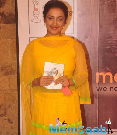 Divya Dutta Dazzling Look In Yellow Dress At The Premiere Of Anupam Kher New Play Mera Who Matlab Nahi Tha