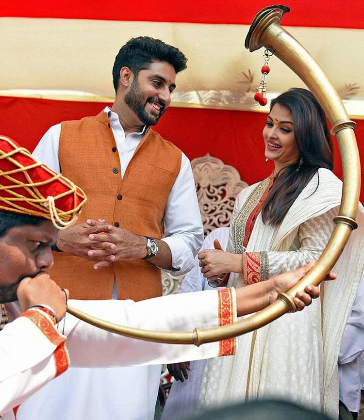 Abhishek And Aishwarya Smiling Look During Gudi Padwa Celebrations