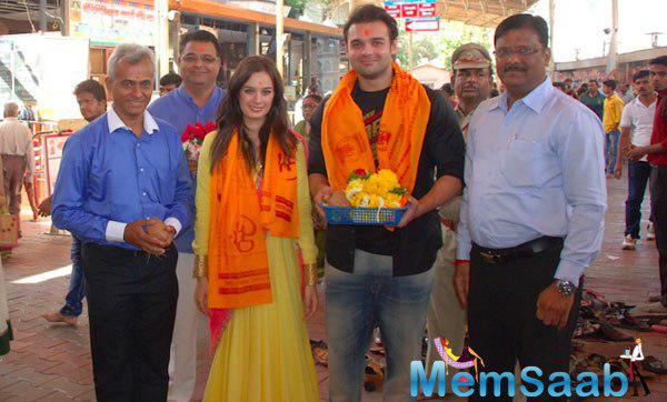 Mahaakshay And Evelyn Snapped At Siddhivinayak Temple Seeking Blessings For Their Film Ishqedarriyaan