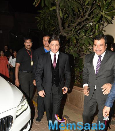 Shah Rukh Khan Arrived At Times Now ICICI NRI Of The Year Award Function