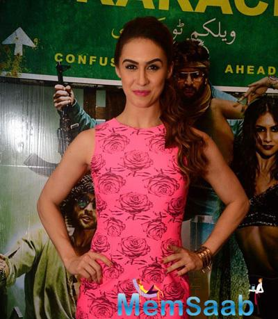 Lauren Gottlieb Flashes Smile During The Promotion Of Welcome To Karachi