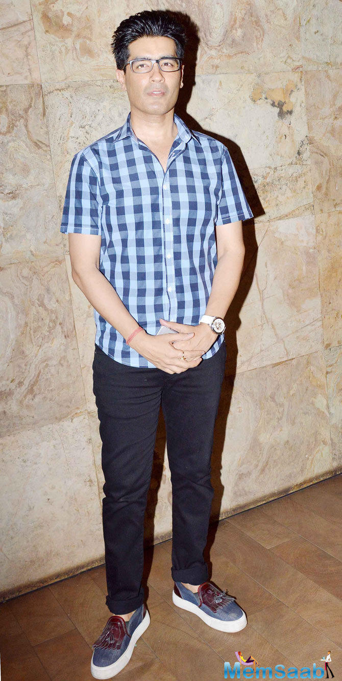 Designer Manish Malhotra Posed At The Screening Of Tanu Weds Manu Returns
