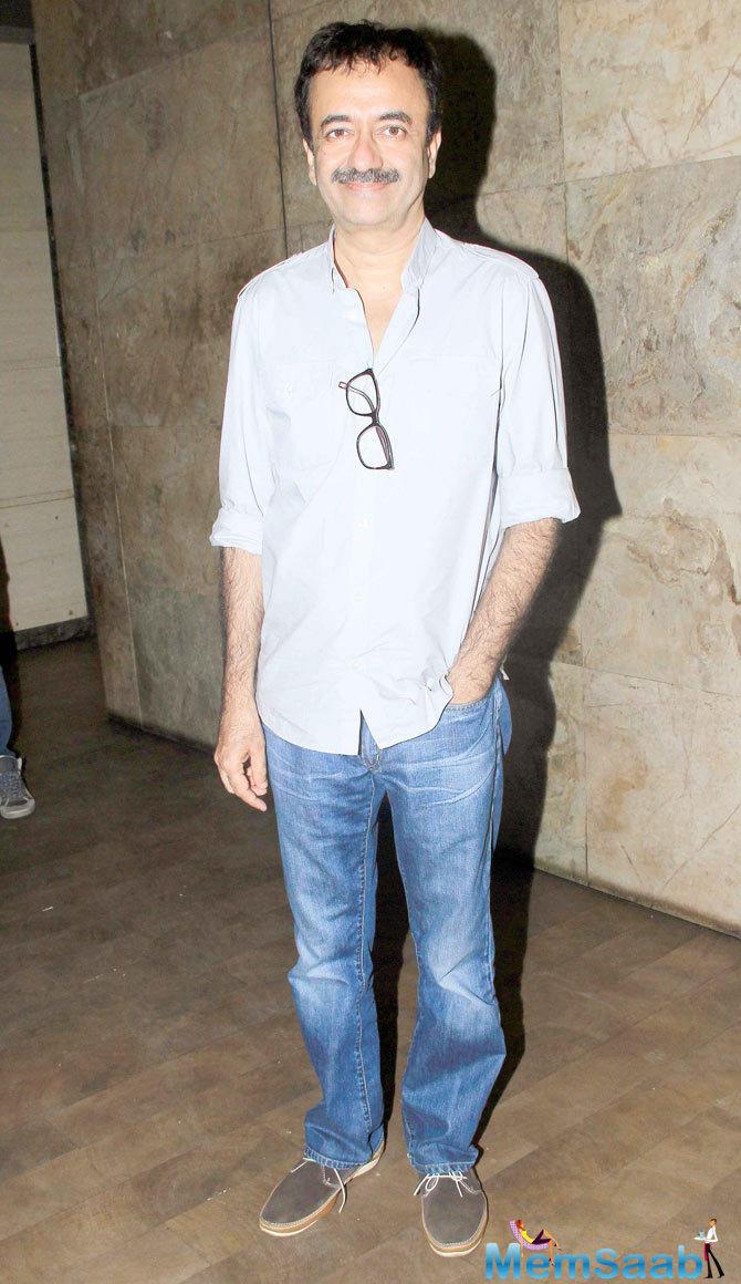 Rajkumar Hirani Smiling Pose At The Screening Of Tanu Weds Manu Returns
