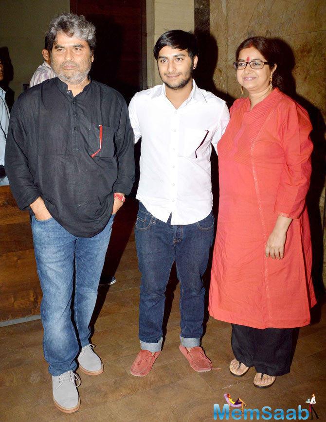Vishal Bhardwaj And Wife Rekha Bhardwaj Posed At The Screening Of Tanu Weds Manu Returns