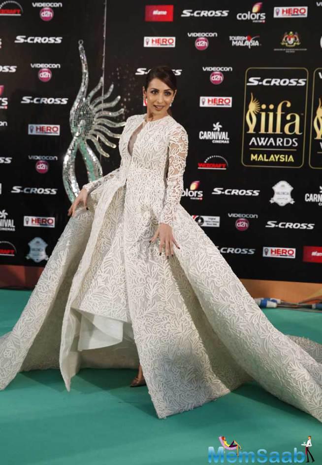 Malaika Was Exquisite In An Oscar-esque Ashi Studio Gown On Green Carpet