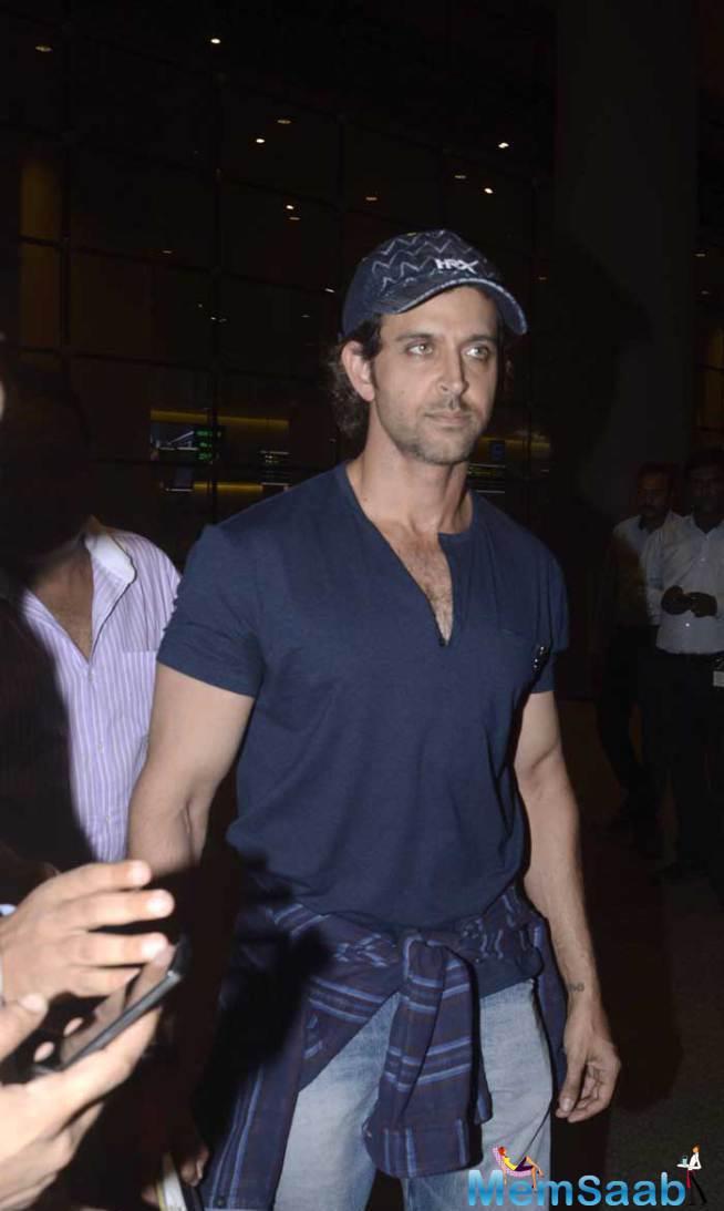 Dashing Hrithik Roshan Also Snapped At Mumbai Airport