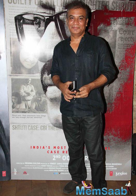 Vipin Sharma Posed At The Special Screening Of Talvar Movie