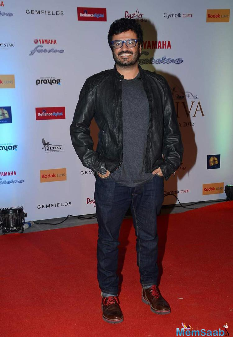 Vikas Bahl Smiling Look At Miss Diva 2015 Red Carpet