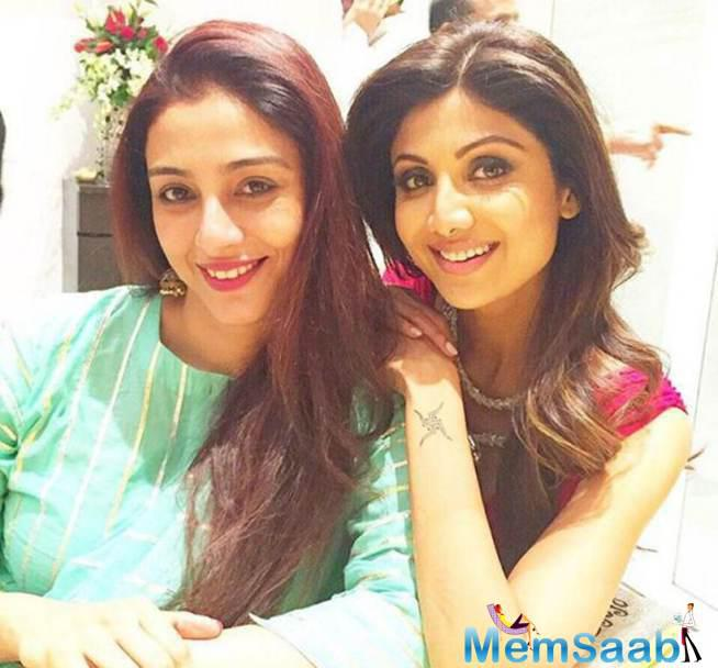 Shilpa And Tabu Stunning Pic From Diwali Party