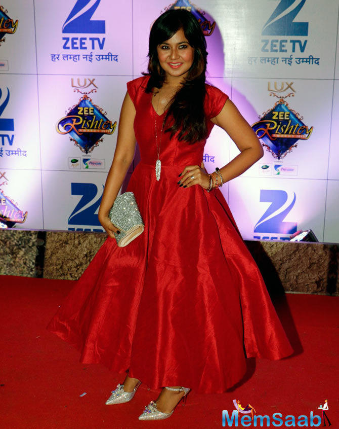 Ex Bigg Boss 9 Contestant Roopal Tyagi Looked Cute In Red Gown
