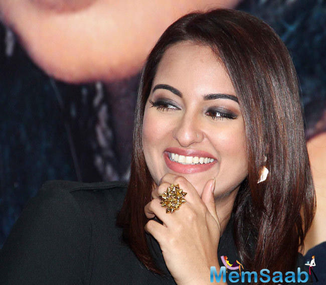 She has been a victim of trolls on social media platforms, but actress Sonakshi Sinha says she knows how to treat people in real as well as in virtual life.