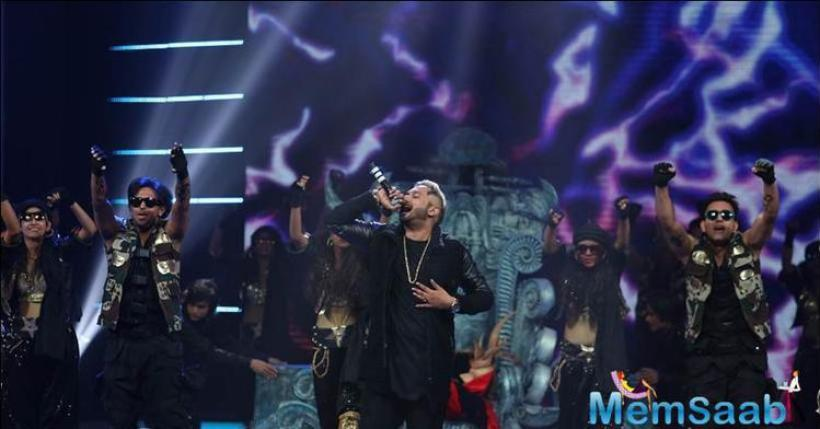 Honey Singh crooned some of his hit tracks at GIMA 2016 musical event