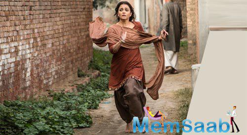 The trailer focusses on the plight of Sarbjit's family, especially his sister. It also showcases the life inside Pakistani jails and how inmates are treated there.